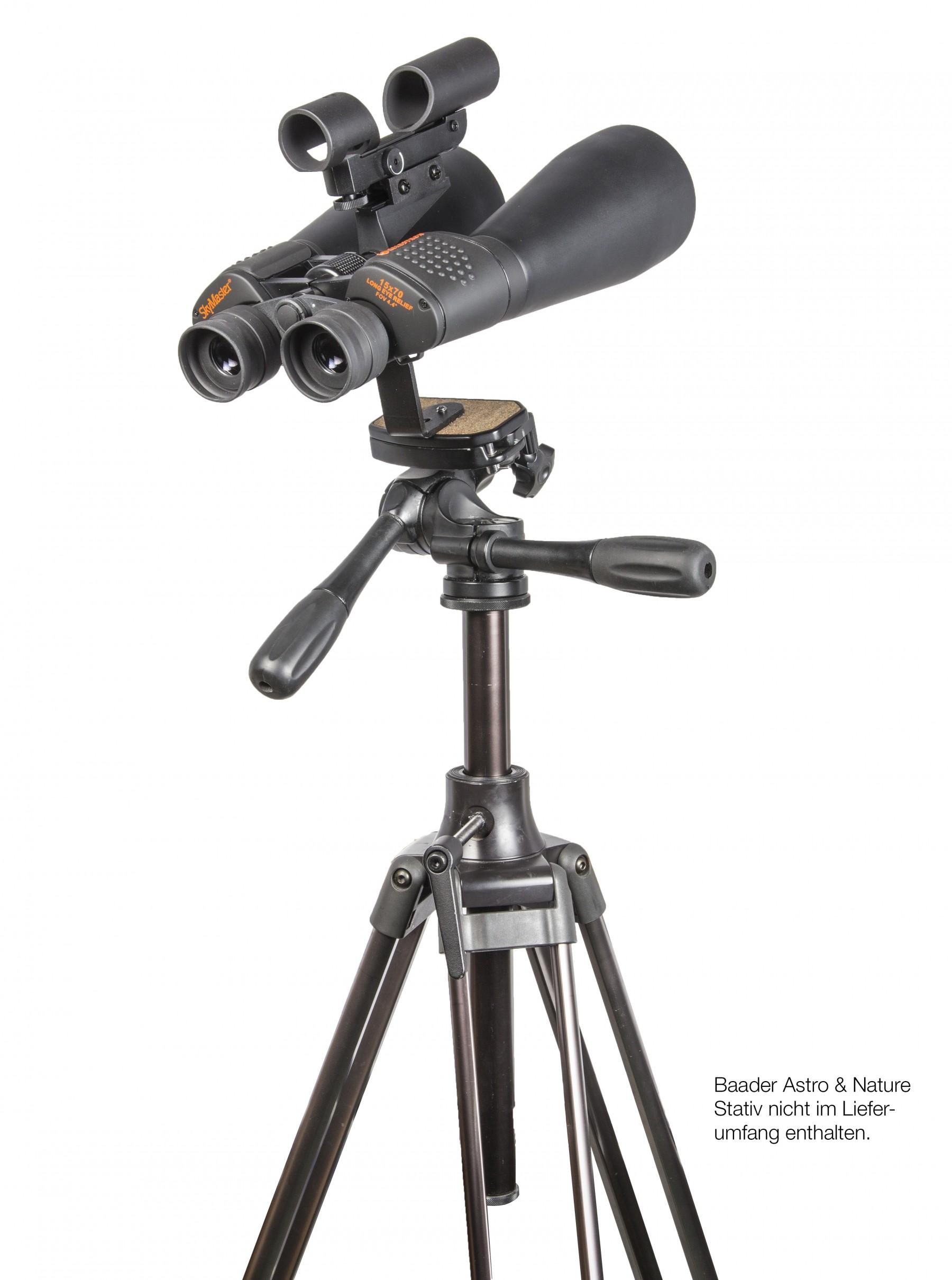 Anwendungsbild mit Baader SkySurfer III Leuchtpunktsucher (#2957300), Celestron SkyMaster 15x70 (#821430) und Baader Astro&Nature Stativ (#2451020)