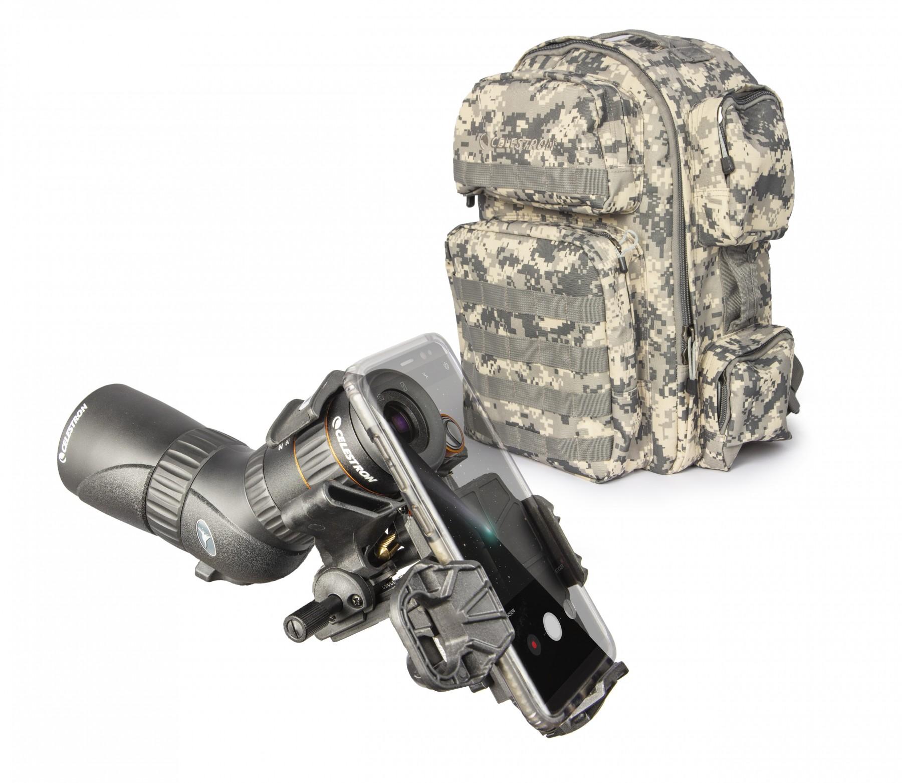 Anwendungsbild: Camouflage-Rucksach mit Hummingbird ED Mikrospektiv und NexYZ Smartphone Adapter