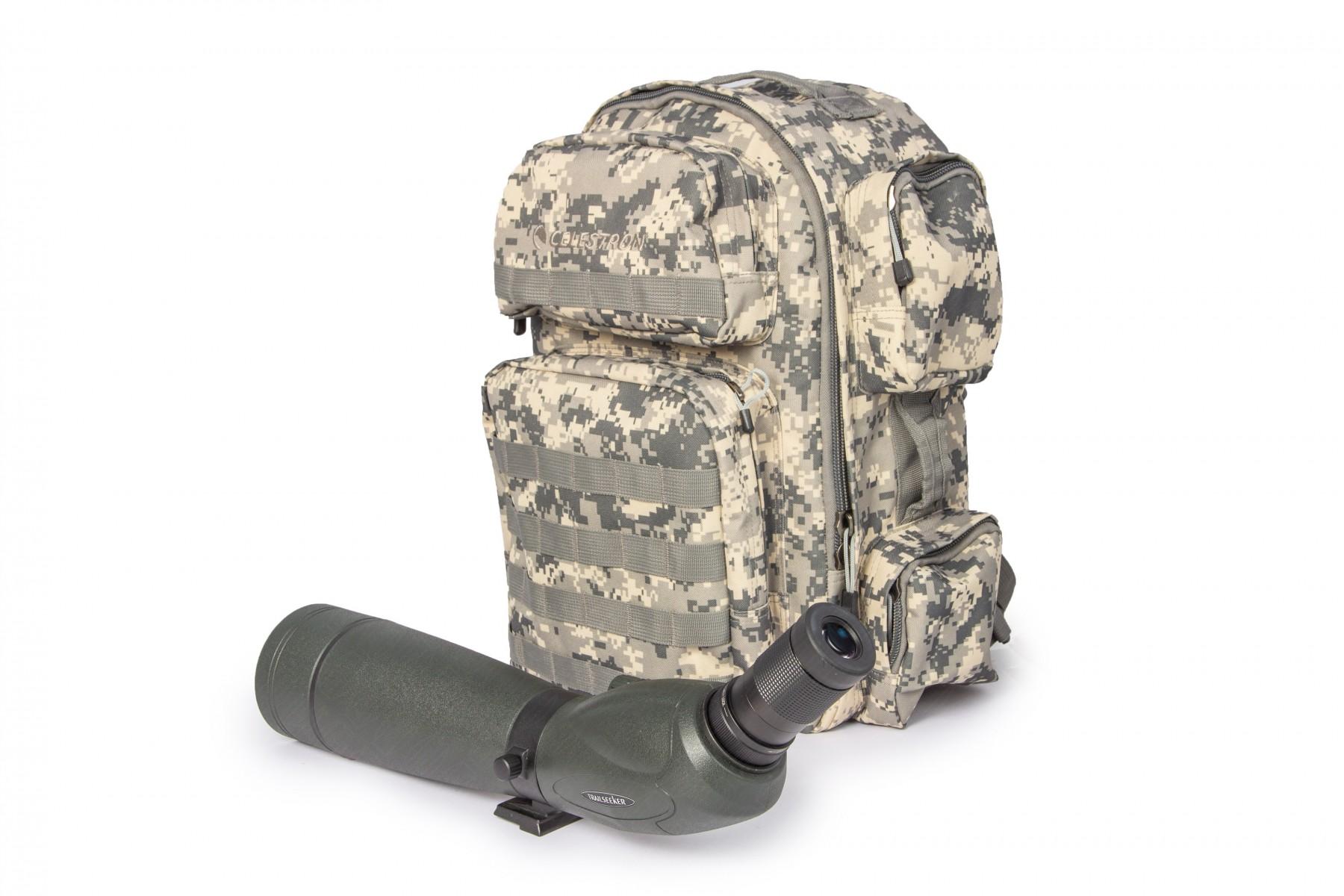 Anwendungsbild: Camouflage-Rucksack mit TrailSeeker Skektiv